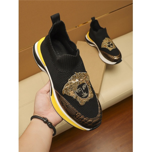 Versace Casual Shoes For Men #805694