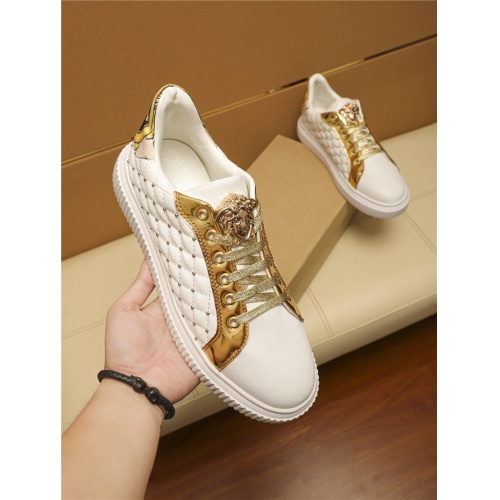 Versace Casual Shoes For Men #805695