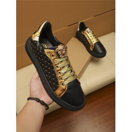 Versace Casual Shoes For Men #805696