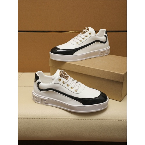 Versace Casual Shoes For Men #805697