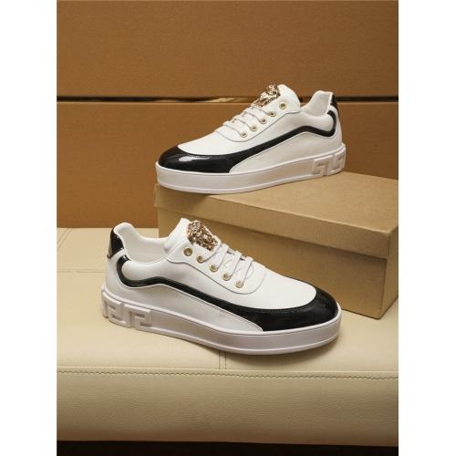 Versace Casual Shoes For Men #805697 $69.84 USD, Wholesale Replica Versace Casual Shoes