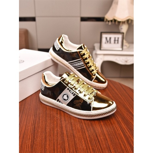 Versace Casual Shoes For Men #805755