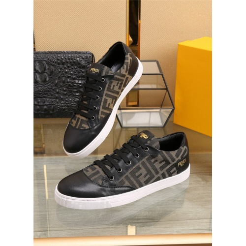 Fendi Casual Shoes For Men #805789