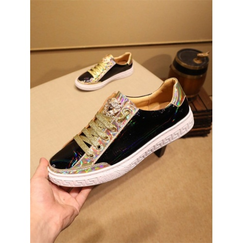 Versace Casual Shoes For Men #805932