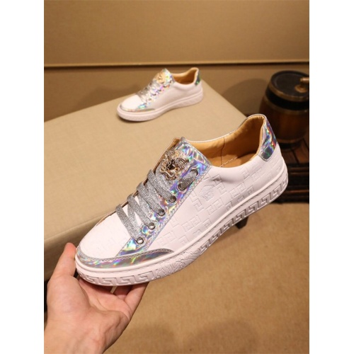 Versace Casual Shoes For Men #805933