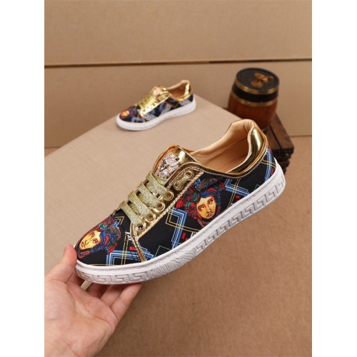 Versace Casual Shoes For Men #805934