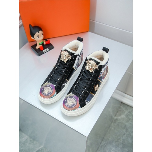 Versace High Tops Shoes For Men #805942