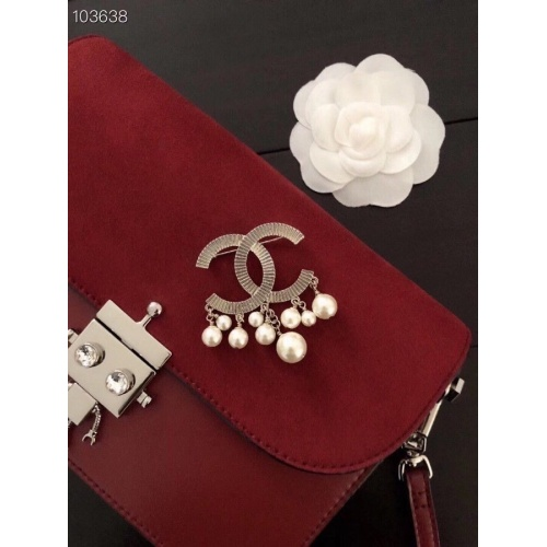Chanel Brooches #805993