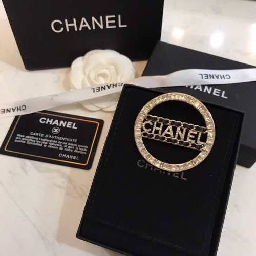 Chanel Brooches #805995