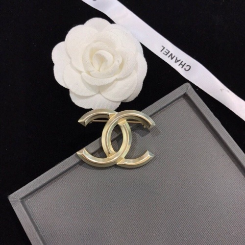 Chanel Brooches #805996