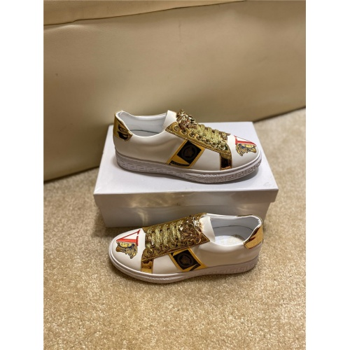 Versace Casual Shoes For Men #806116