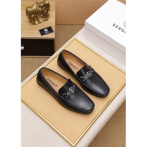 Versace Casual Shoes For Men #806470