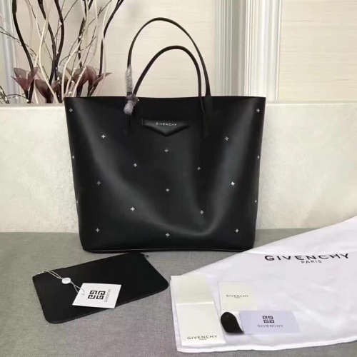 Givenchy AAA Quality Handbags For Women #806866
