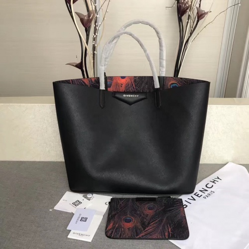 Givenchy AAA Quality Handbags For Women #806873