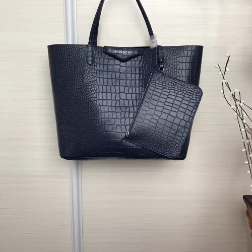 Givenchy AAA Quality Handbags For Women #806879