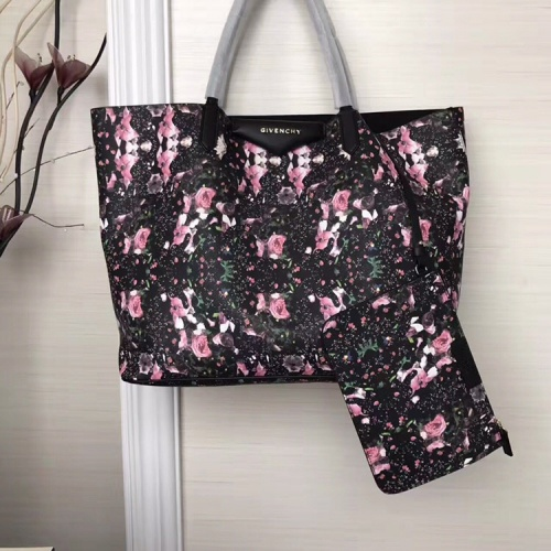 Givenchy AAA Quality Handbags For Women #806893