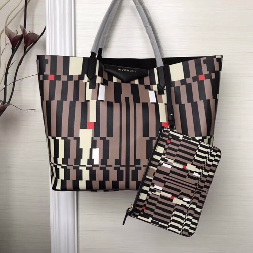 Givenchy AAA Quality Handbags For Women #806897