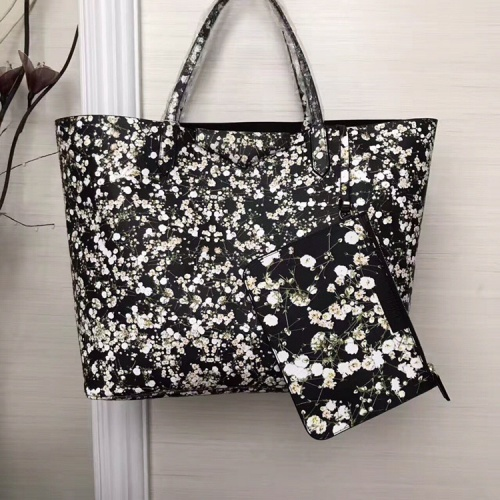 Givenchy AAA Quality Handbags For Women #806898