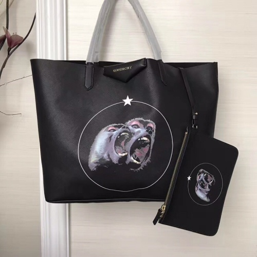 Givenchy AAA Quality Handbags For Women #806901