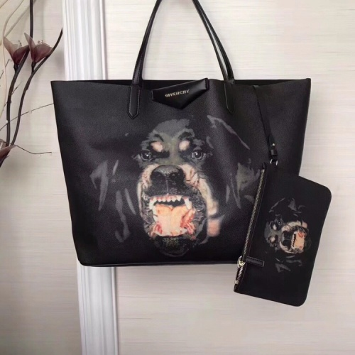 Givenchy AAA Quality Handbags For Women #806908