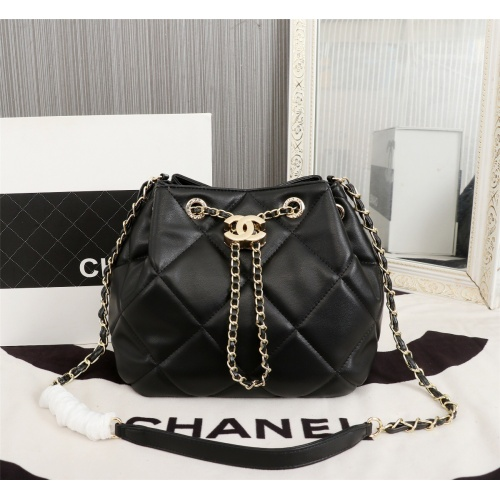 Chanel AAA Messenger Bags For Women #806913