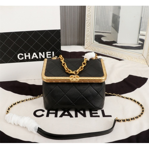 Chanel AAA Messenger Bags For Women #806916