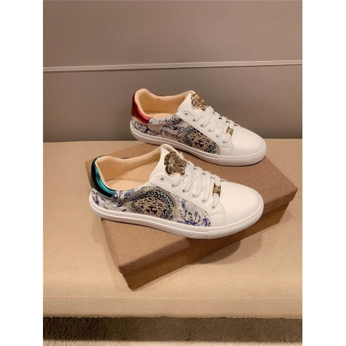 Versace Casual Shoes For Men #807235