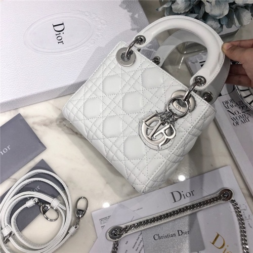 Christian Dior AAA Quality Messenger Bags #807409