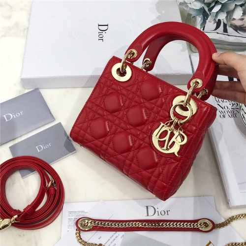 Christian Dior AAA Quality Messenger Bags #807412