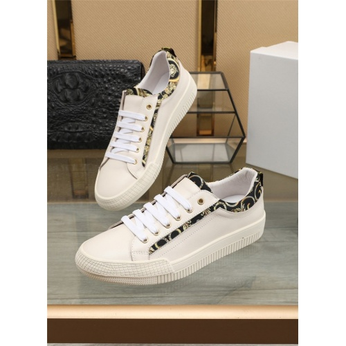 Versace Casual Shoes For Men #807537