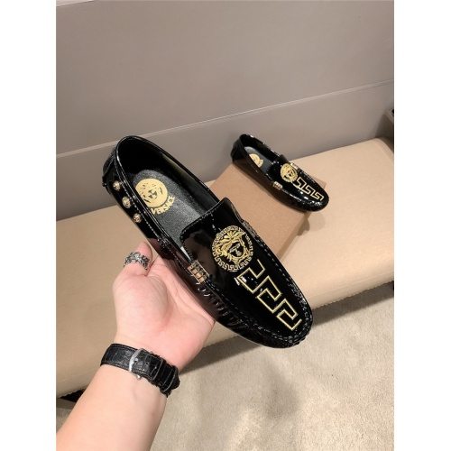 Replica Versace Casual Shoes For Men #807676 $68.00 USD for Wholesale