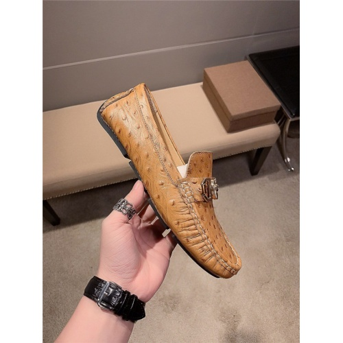 Replica Versace Casual Shoes For Men #807681 $72.00 USD for Wholesale