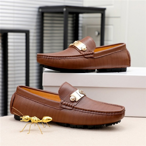 Versace Casual Shoes For Men #808057