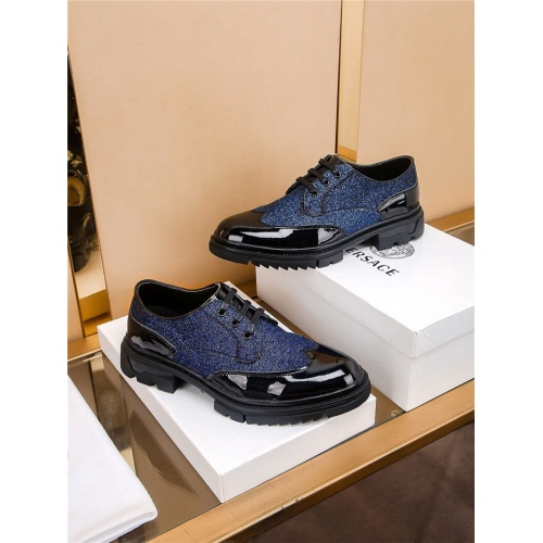 Versace Casual Shoes For Men #808620