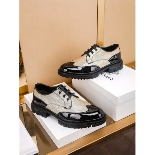 Versace Casual Shoes For Men #808621