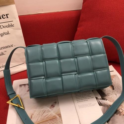 Bottega Veneta BV AAA Quality Messenger Bags For Women #808856