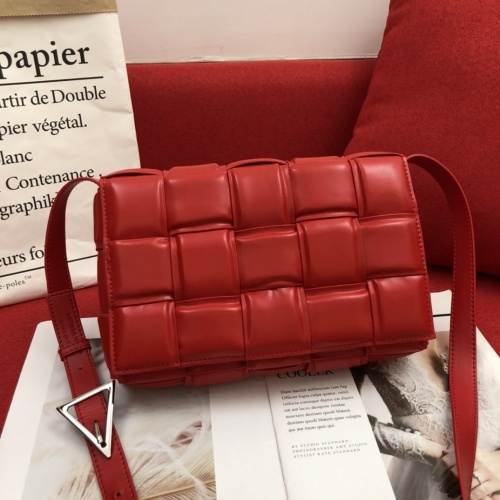 Bottega Veneta BV AAA Quality Messenger Bags For Women #808857