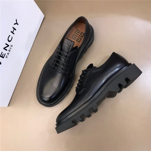 Givenchy Casual Shoes For Men #808913