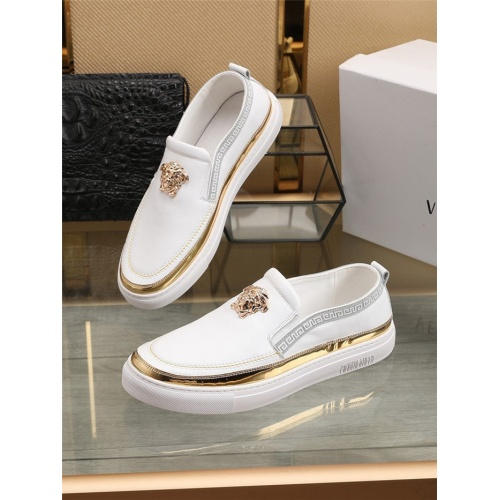 Versace Casual Shoes For Men #809142