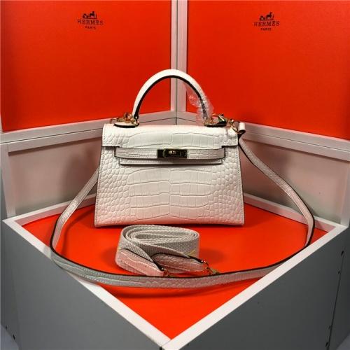 Hermes AAA Quality Messenger Bags For Women #809406