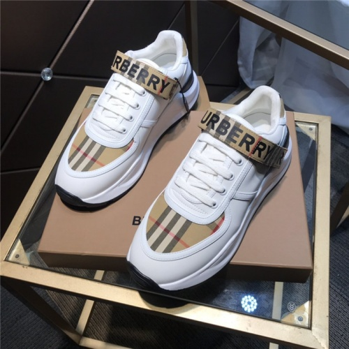 Burberry Casual Shoes For Men #809423
