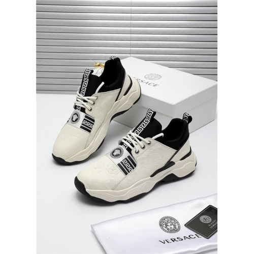 Versace Casual Shoes For Men #809908