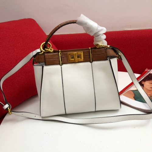 Fendi AAA Messenger Bags In 23*18*11cm For Women #809964