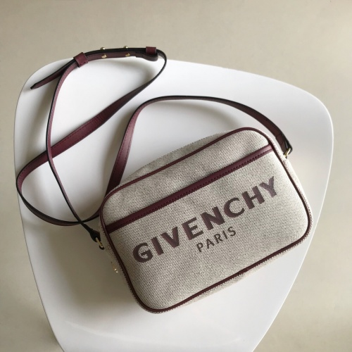 Givenchy AAA Quality Messenger Bags For Women #809982