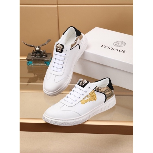 Versace Casual Shoes For Men #810180