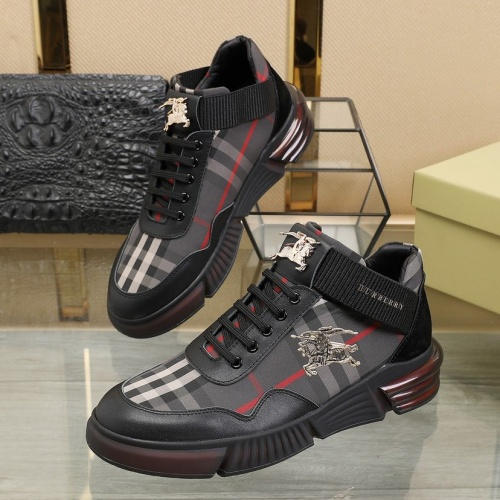 Burberry Casual Shoes For Men #810219