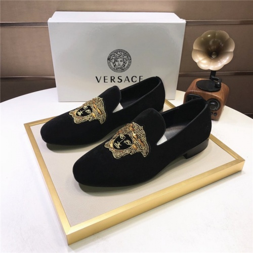 Versace Leather Shoes For Men #810920