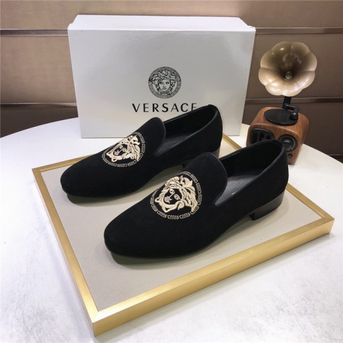 Versace Leather Shoes For Men #810921