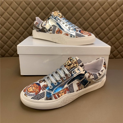 Versace Casual Shoes For Men #810922