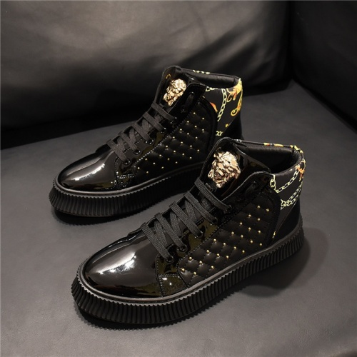 Versace High Tops Shoes For Men #811118